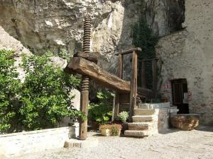 Santa-Caterina-del-Sasso-press