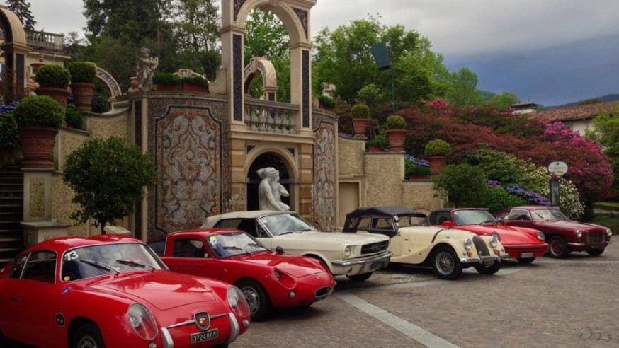 Vintage cars rally tour on Lake Maggiore