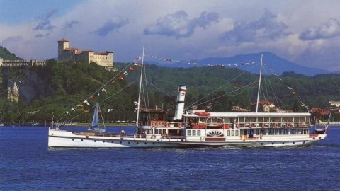 Meeting, incentive, conference and events on board a ship Lake Maggiore