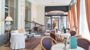Hotel San Gottardo lounge room