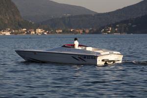 Off-shore-boat-hire-Lake-Maggiore